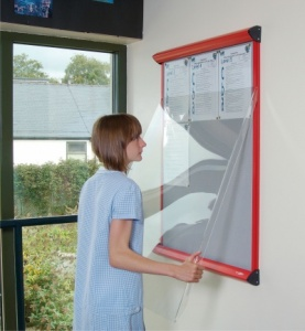 Shield Showline Solo Lift Off Door Notice Board